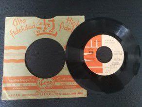"7"" Vinyl single Queen Another one bites the dust (Ecuador)"