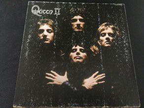 "12"" Vinyl album Queen II (Japan) Gatefold P-8456E"