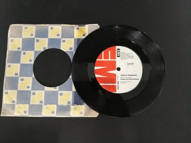 "7"" Vinyl single Queen and David Bowie..."
