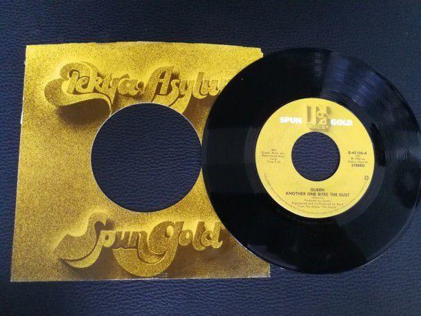 """7"""" Vinyl single Queen Another one..."""