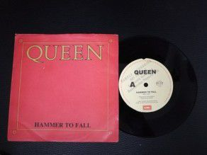 "7"" Vinyl single Queen Hammer to fall (Australia) Promo"