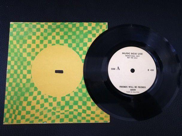 """7"""" Vinyl single Queen friends will be..."""