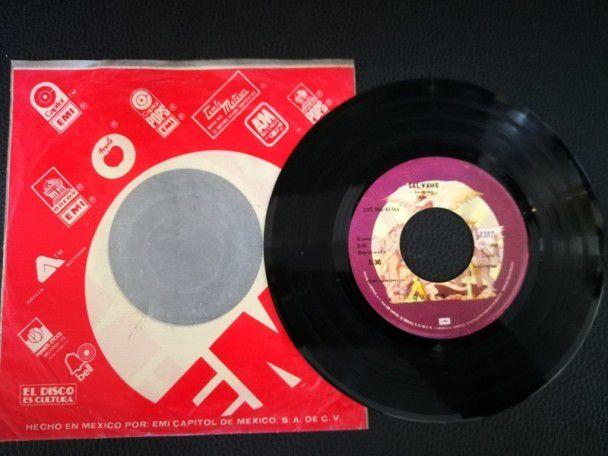 """7"""" Vinyl single Queen Save me (Mexico)"""