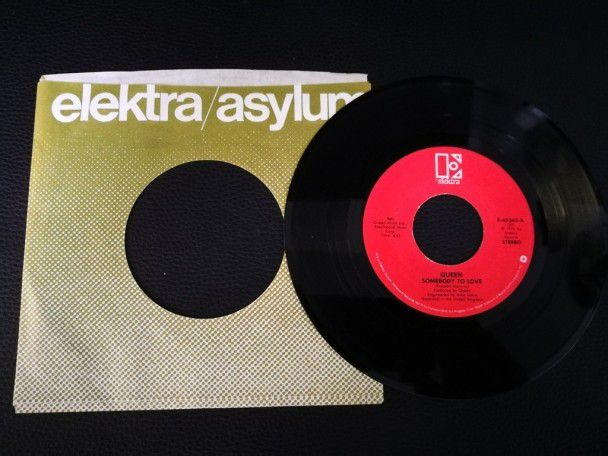 "7"" Vinyl single Queen Somebody to..."