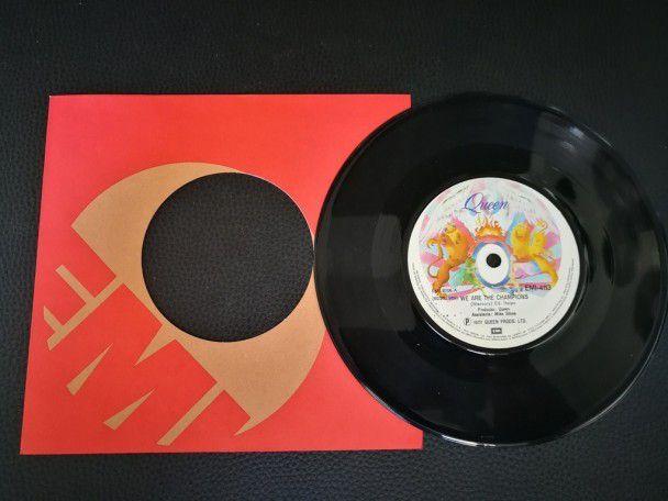"7"" Vinyl single Queen We are the..."