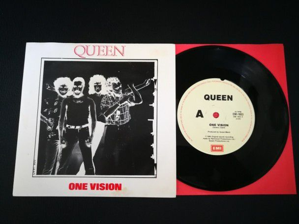 "7"" Vinyl single Queen One vision..."