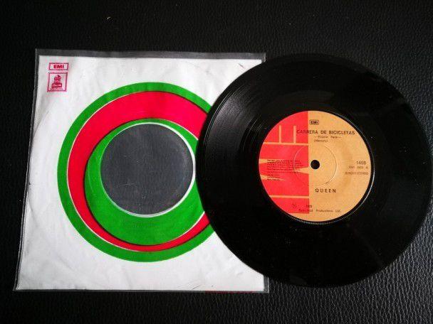 """7"""" Vinyl single Queen Bicycle race..."""