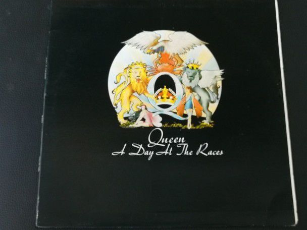 "12"" Vinyl album Queen A day at the..."