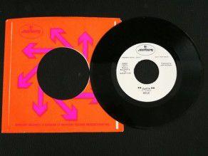 """7"""" Vinyl single Queen Smile..."""