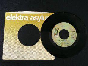"""7"""" Vinyl single Queen Tie..."""