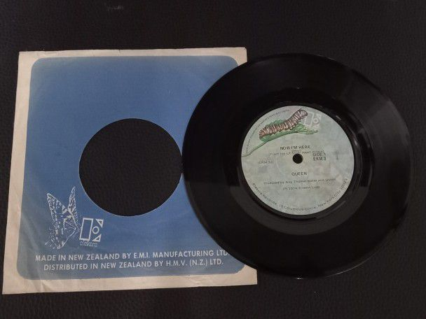 "7"" Vinyl single Queen Now i'm here..."