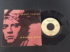 """7"""" Vinyl single Roger..."""