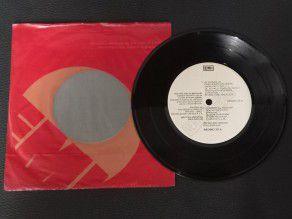 """7"""" Vinyl single Queen Man..."""