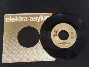 """7"""" Vinyl single Queen Keep..."""