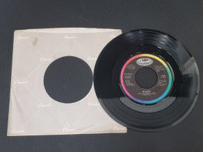 """7"""" Vinyl single Queen It's..."""